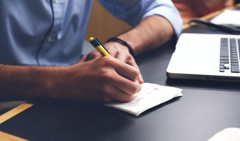 Taking notes during interviews is crucial to capture and remember important answers. But how you do you that effectively? Learn more here.